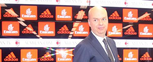 Marco Fassone was furious with #ACMilan&#39;s defeat to a 'weaker' #Sampdoria, adding there are 'no excuses'... https://www. football-italia.net/110351/fassone -fury-milan-attitude &nbsp; … <br>http://pic.twitter.com/utAYMpDQNy