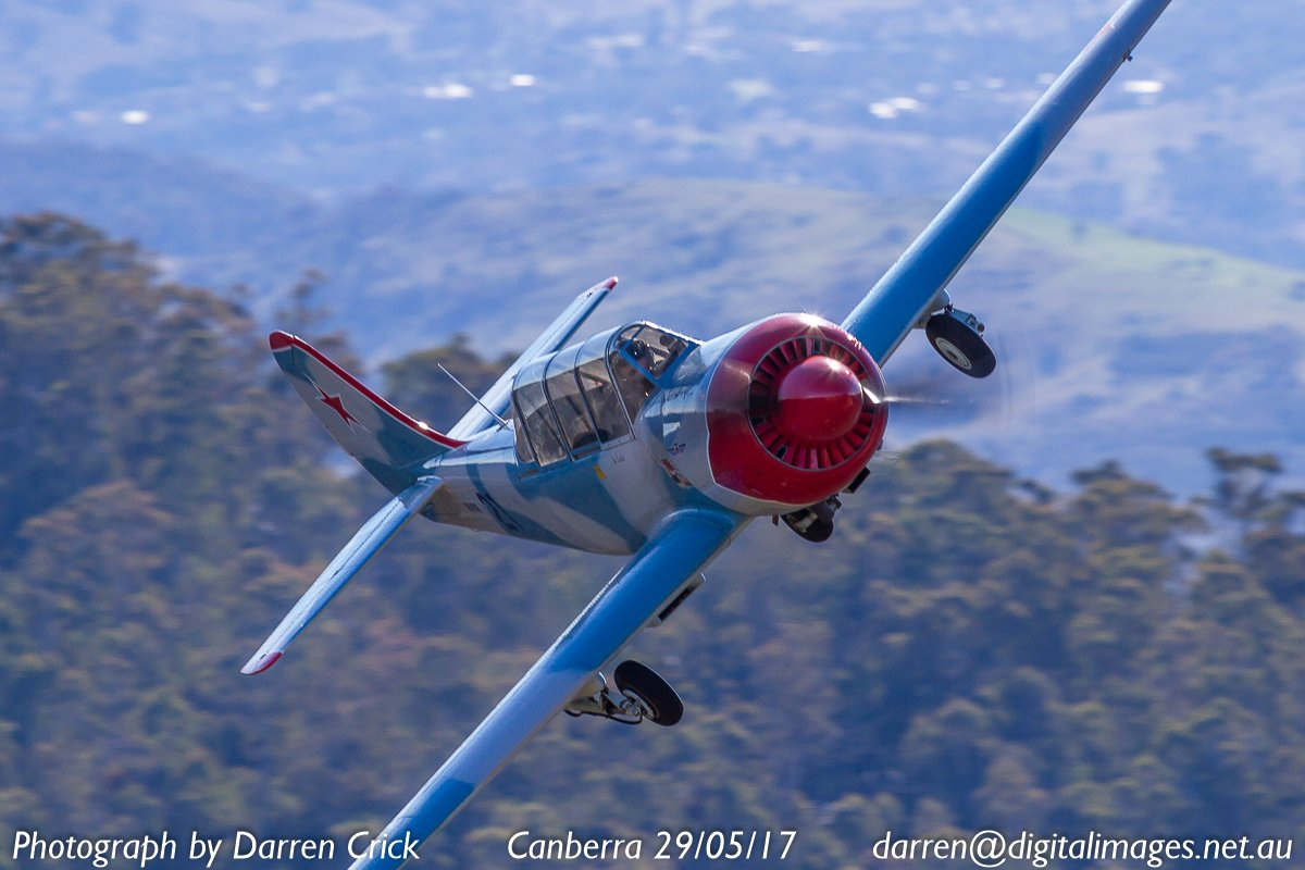 A Yak52 operated by @CapitalWarbirds over #canberra 29/05/17. #avgeek #aviation #aero #aeroausmag #canon #spotter  http:// buff.ly/2hp6X03  &nbsp;  <br>http://pic.twitter.com/hzYXj7b9Ke