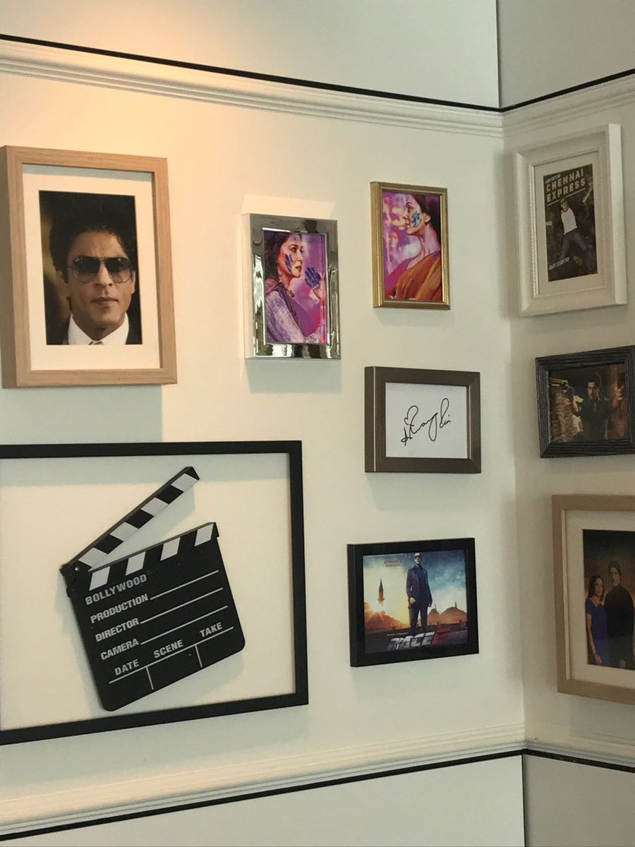 In search for Raj : @iamsrk where are you ?  The #Bollywood #restaurant at #Jungfrau has the #King on the wall..<br>http://pic.twitter.com/ECE71v4bTD