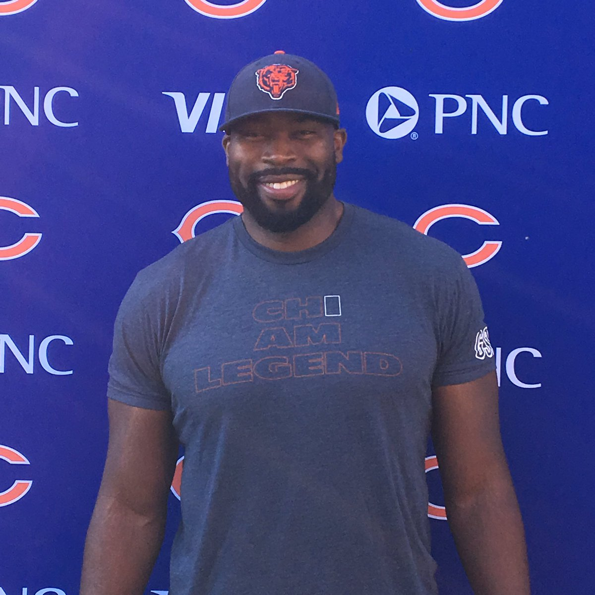 If you're at the @ChicagoBears game, swing by the @Visa and @PNCBank #VirtualFittingRoom, try on some gear, and say hi! #promotion <br>http://pic.twitter.com/PN3n6zR4nR