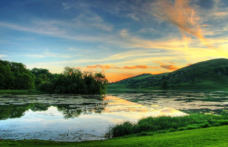 #DYK Lough Gur in County Limerick has been home to people in every era since Neolithic times? #IrelandsAncientEast<br>http://pic.twitter.com/MZSFgtlNaW
