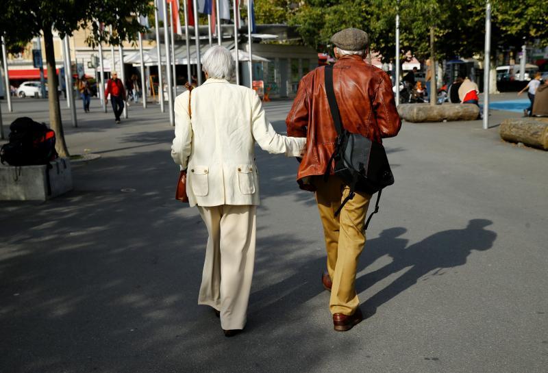 Swiss voters reject raising women's retirement age: TV https://t.co/YrpdNk1ZwL