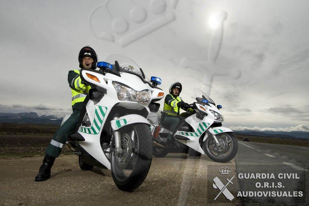 Guardia civil guardiacivil twitter - Guardia civil trafico zaragoza ...
