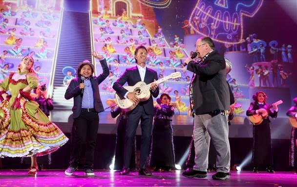Remember #PixarCoco details from #D23Expo? Can&#39;t wait to hear the signature song, &#39;Remember Me&#39; in the film:  http:// bit.ly/2fiEaWy  &nbsp;  <br>http://pic.twitter.com/KCwGeNuPw7