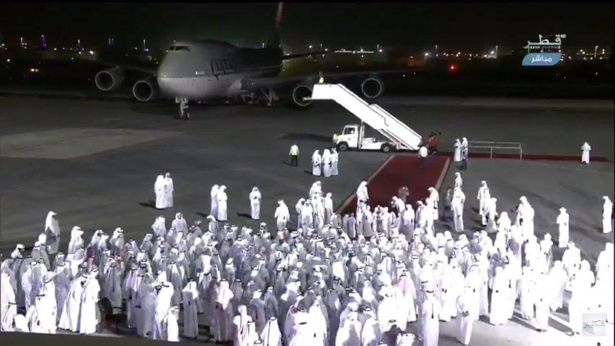 إستطعتم إختراق المواقع الإلكترونية ولكن لم ولن تستطيعو إختراق الحب والإنتماء والوفاء والتلاحم والترابط بين الشعب والقائد #كل_قطر_تستقبل_تميم