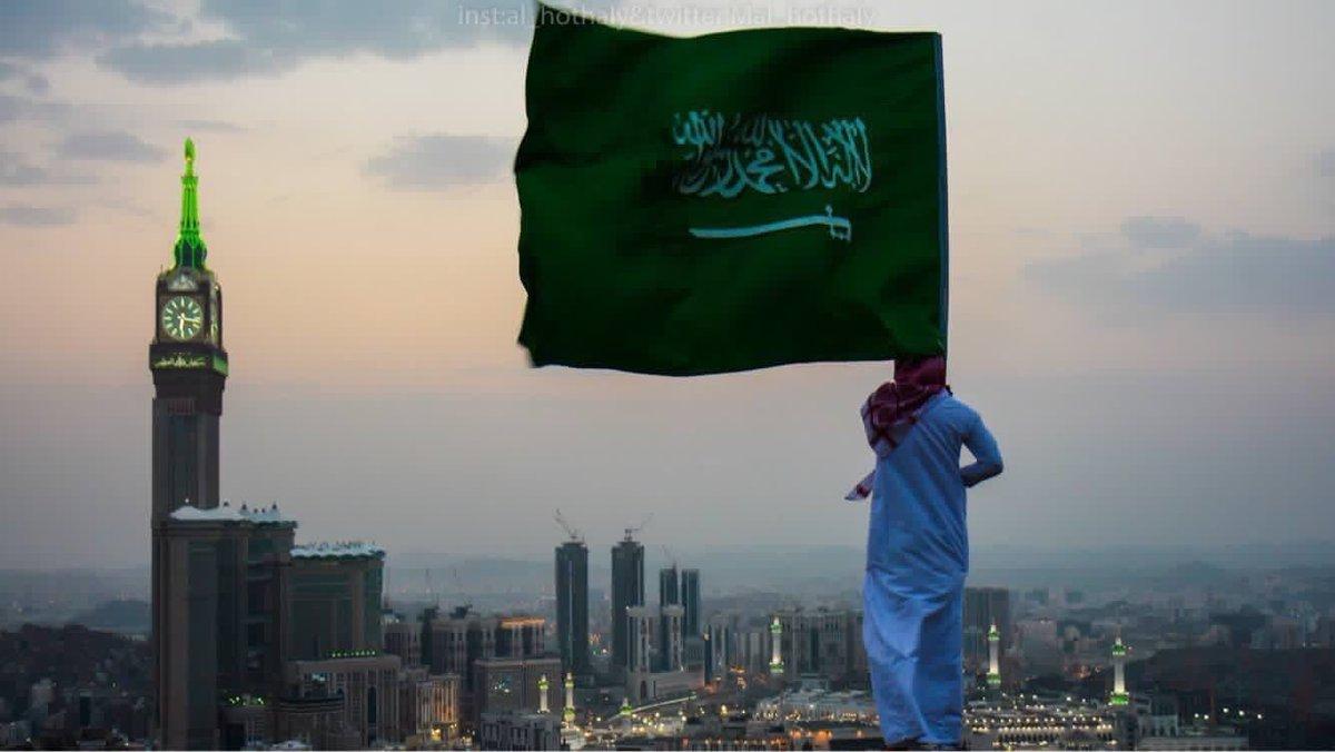 جريدة الرياض عشاق البدر ومحبو إنسان يقبلون على تذاكر أمسيات ومض