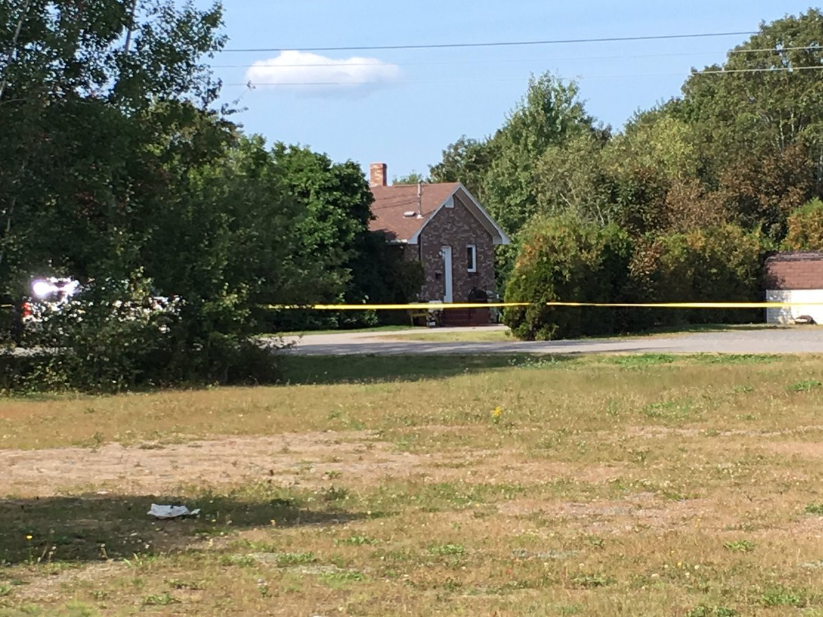 Police have a large crime scene taped off surrounding a home on Lockhart Drive. Neighbours say cops have been here all day #NewMinas #NS <br>http://pic.twitter.com/nbxkBDGZG6