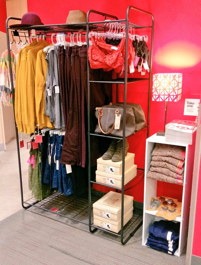 Added another #style #moment to the fitting room to enhance our guest&#39;s experience! #vmtl #target find #FallsHere<br>http://pic.twitter.com/3j8eSNdeB0