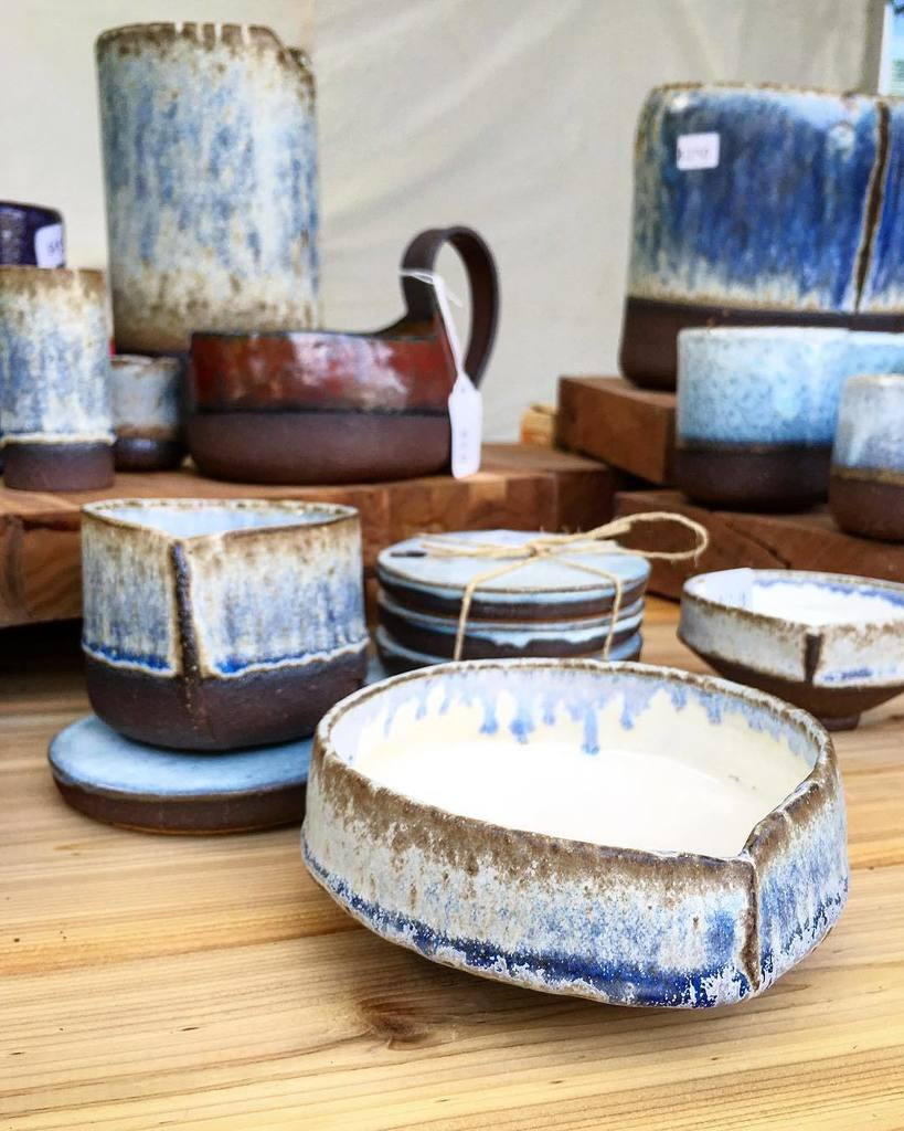 All set up to sell at Seattle&#39;s Fremont Sunday Market! Come on down and say hi if you&#39;re in Seattle!  #pottery #cr…  http:// ift.tt/2y1ujQb  &nbsp;  <br>http://pic.twitter.com/9gmhbSLShI