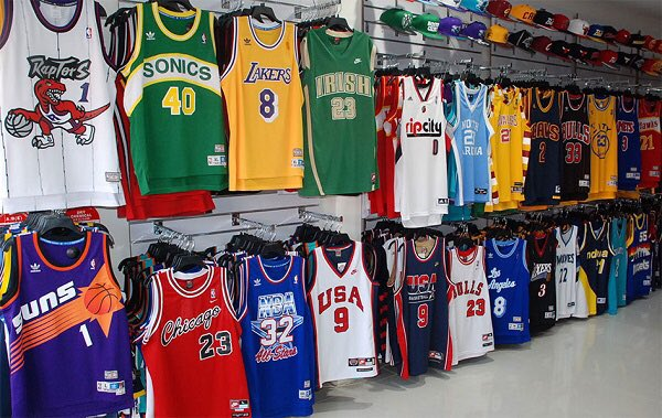 I'm Giving Away 5 Basketball Jerseys of YOUR CHOICE to Say Thanks For 1 Million Subs! 🙌 RT + Follow me to WIN!  Winners Chosen in 1 Week!