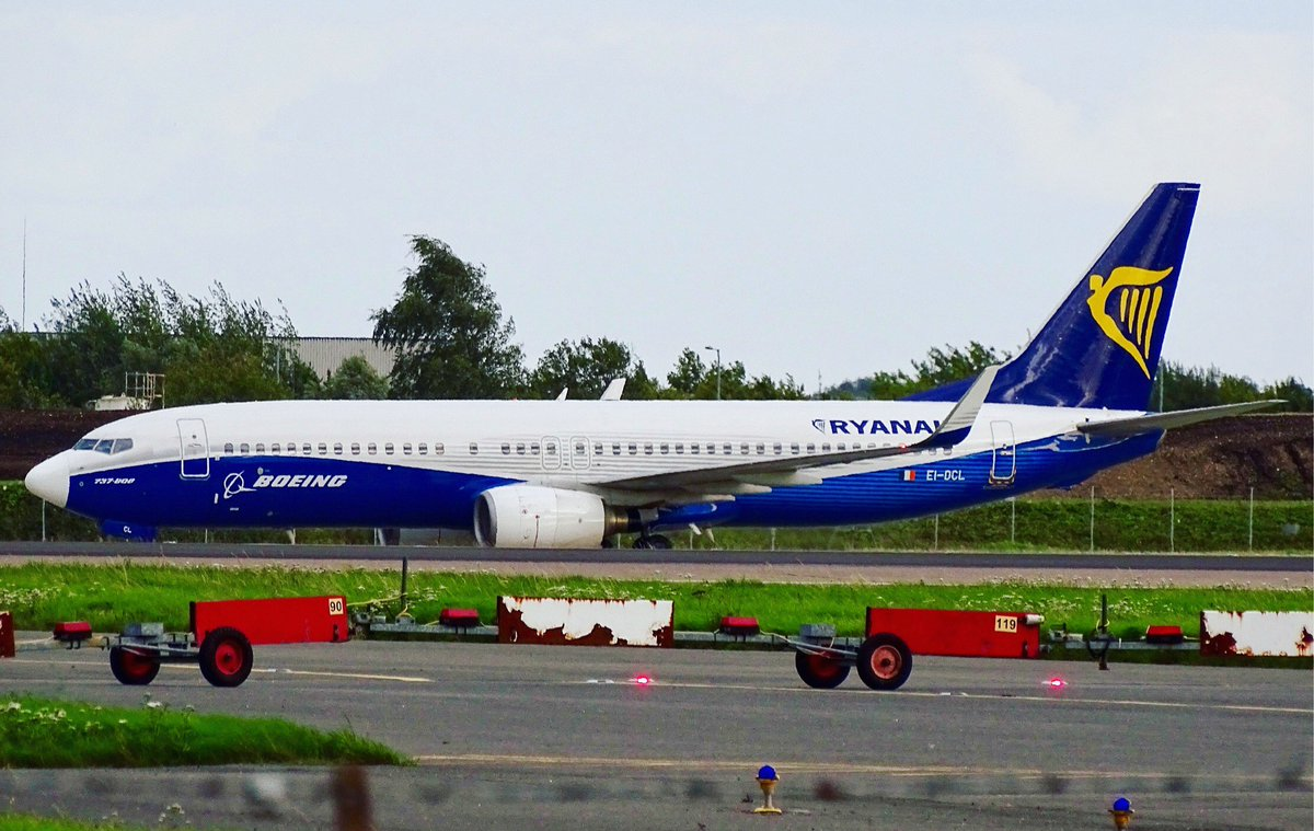 Ryanair «Dreamliner» Boeing 737-800 [EI-DCL] at London Stansted Airport - 19/08/17 #avgeek #aviation #planespotting #STN #EGSS<br>http://pic.twitter.com/W0js8ZBcCs