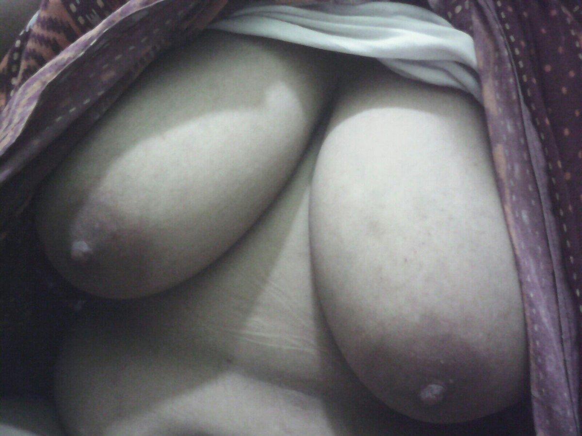 Nude Selfie 11236