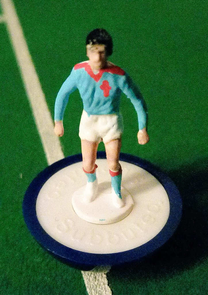 Sunday it&#39;s handmade time #Celta #subbuteo<br>http://pic.twitter.com/DQ3wDLPbcP