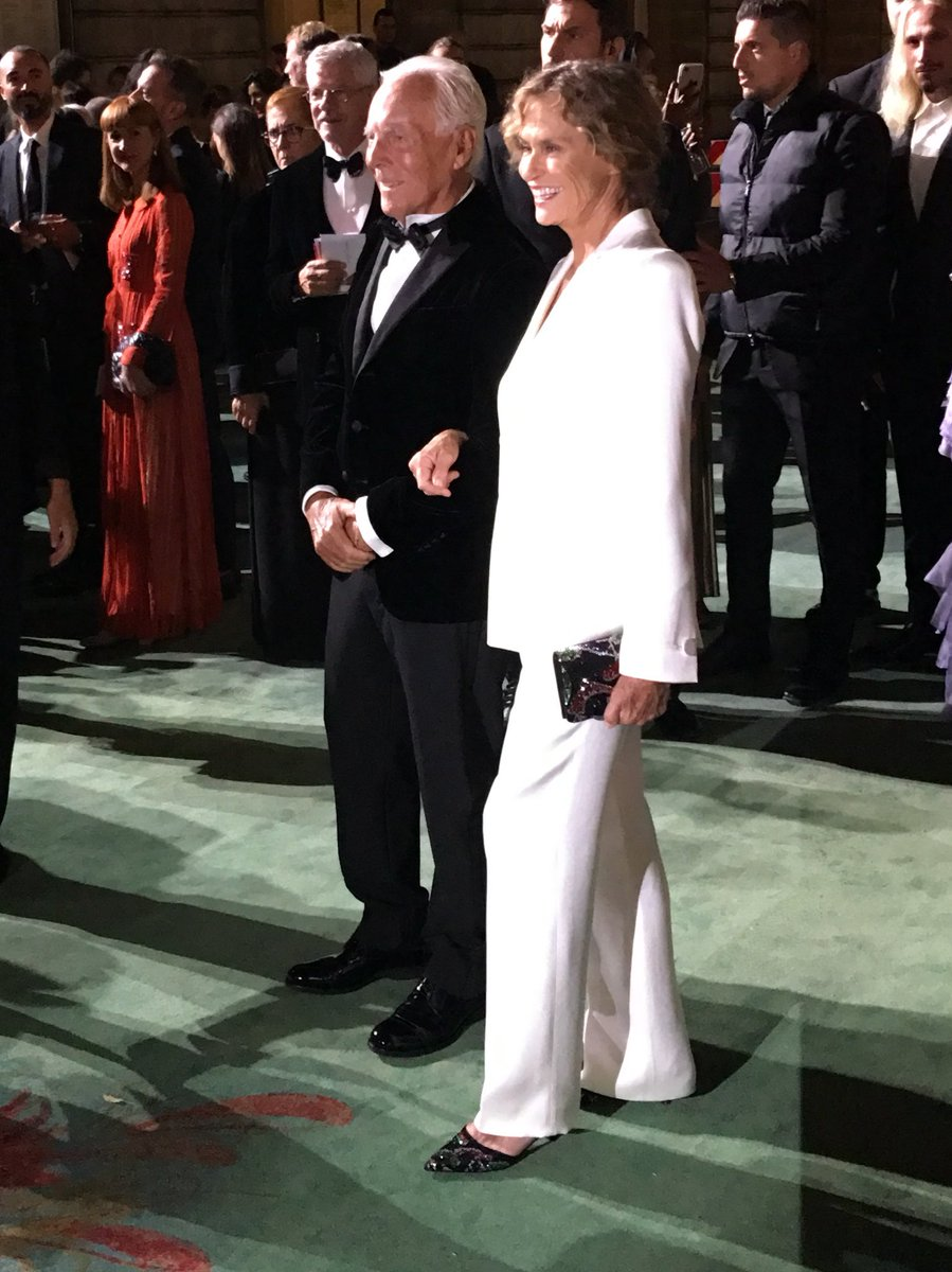 Here's Giorgio Armani and Lauren Hutton on the green carpet #gcfaitalia