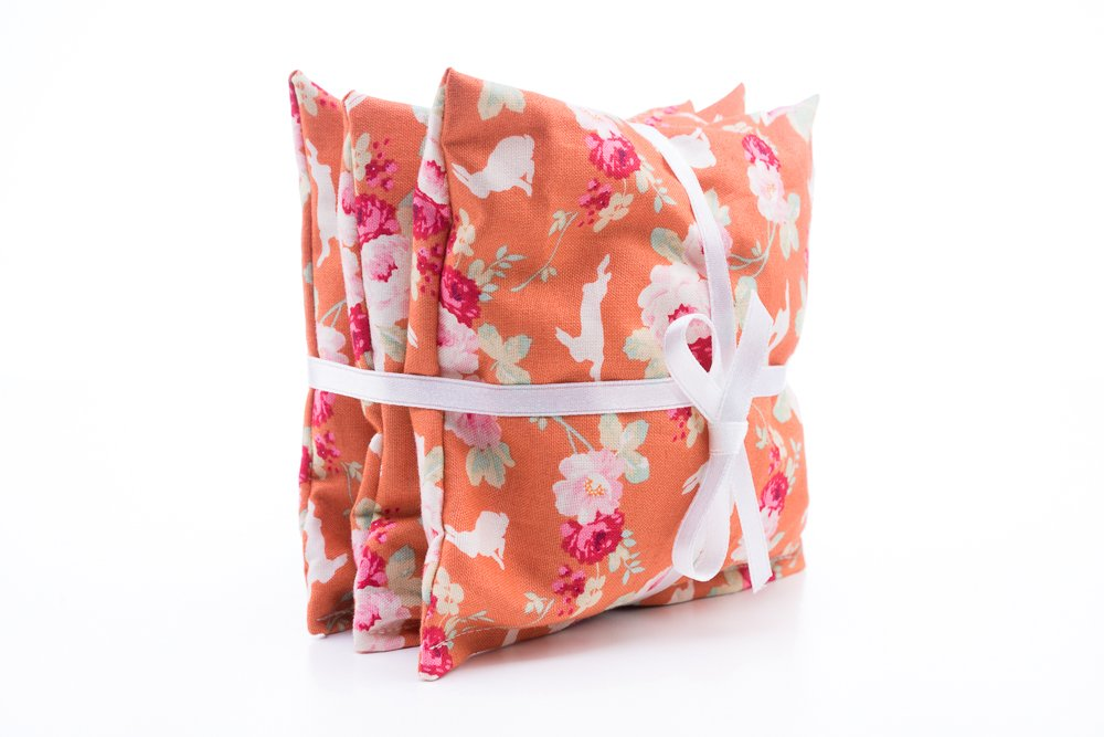 Remind someone of summer this #Autumn with these lavender cushion trio  http:// etsy.me/2ym6pLn  &nbsp;   #CraftHour #gifts #homemade #womeninbizhour<br>http://pic.twitter.com/Bqx0fz3MBJ