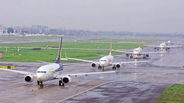 India needs Rs 3-4 lakh cr investment in #aviation: Jayant Sinha  https:// buff.ly/2xkQOOz  &nbsp;   #avgeek<br>http://pic.twitter.com/Zcl0JFD841