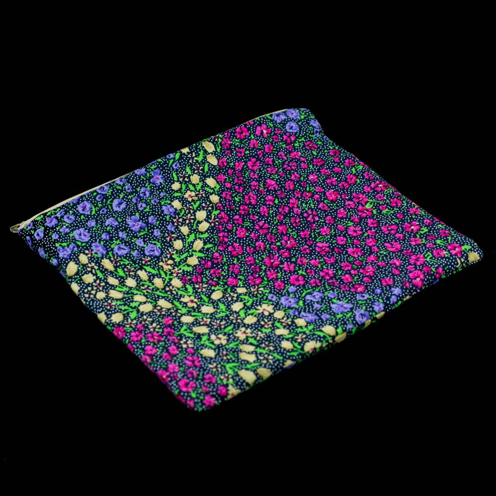 Lovely floral make-up bag.Handmade by us here at Amelia&#39;s Grotto #lovely #floral #makeup #bag #purple #pink #yellow #greenandblack #handmade<br>http://pic.twitter.com/X2TQV86guJ