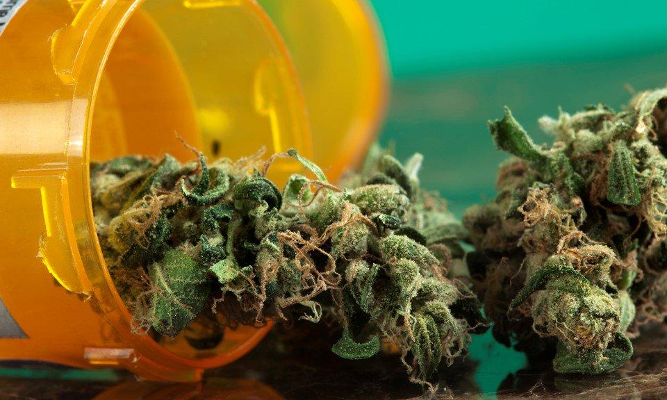 Marijuana Treats #Migraine Pain Better Than Prescription Medication, Study Finds    https://www. forbes.com/sites/daviddis alvo/2017/06/29/marijuana-treats-migraine-pain-better-than-prescription-medication-study-finds/#5f436ccd3700 &nbsp; …  #MME #marijuana #cannabis #CBD<br>http://pic.twitter.com/ggevAlcErH