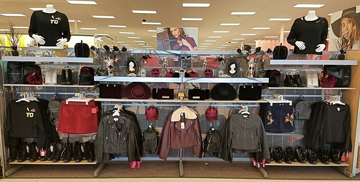 Getting ready for fall this year will be as easy as having leather and velvet—on hand (and in closet) #984medina #TARGET #fashion #Trending<br>http://pic.twitter.com/zZzbClJRvd