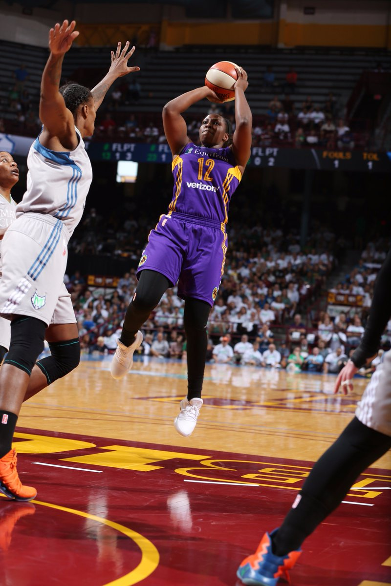.@cgray209 FTW!  @LA_Sparks take Game 1 with an 85-84 victory! #WNBAFi...