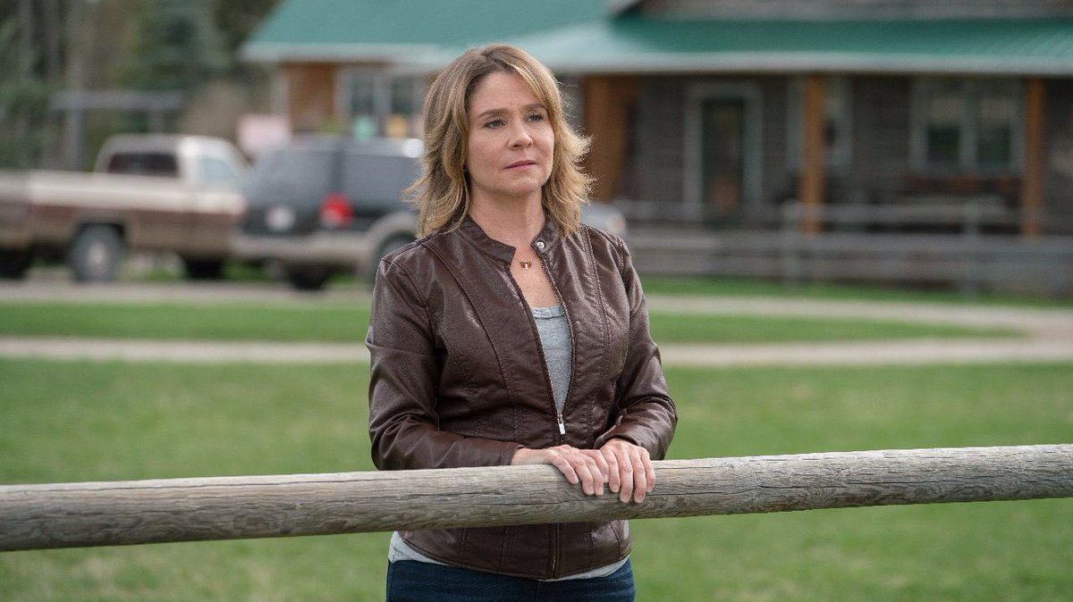 Ontario & Quebec:  is @CBCairing HEARTLAND season 11's premiere episode for you in 10 minutes. Lily (Megan Follows guest stars as Ty's mom)