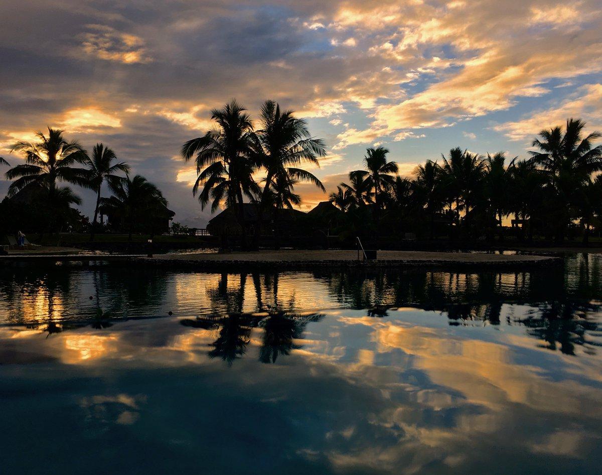 おはようございます。今週も穏やかな一週間になりますように。(タヒチに到着、iPhoneで撮影) pic.twitter.com/BWqaKfBt29