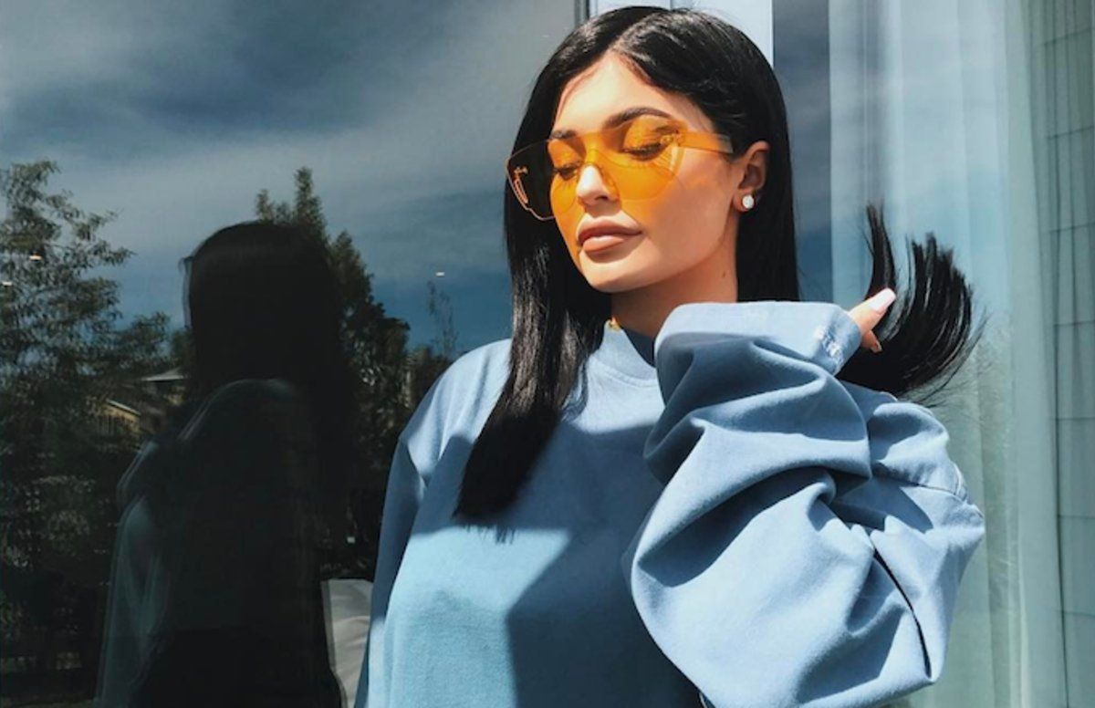 Was Kylie Jenner showing off her baby bump in this deleted snap? https...