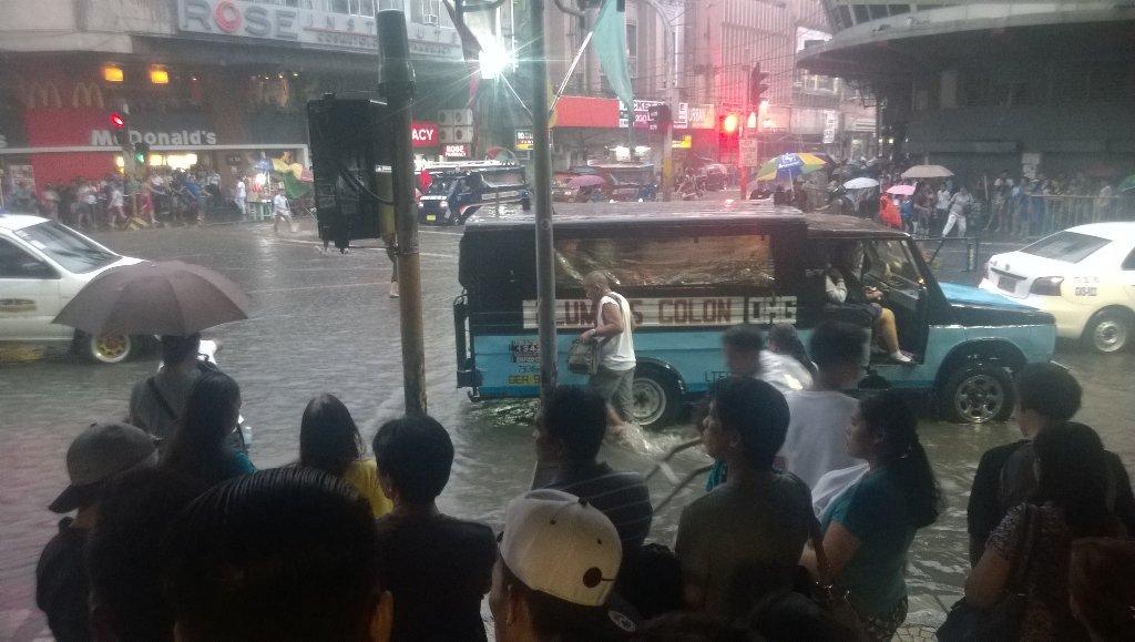 LGUs brace for more flooding, heavy rains in Cebu. PAGASA says rains continue in the next few days. | @dalegisrael https://t.co/t4p7YG5JWl