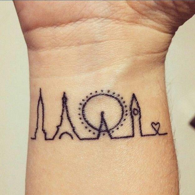 CHOOSE ONE  qual tatto vc faria? /Hellen  #KCAArgentina #Beliebers <br>http://pic.twitter.com/PaVGjSUzGG
