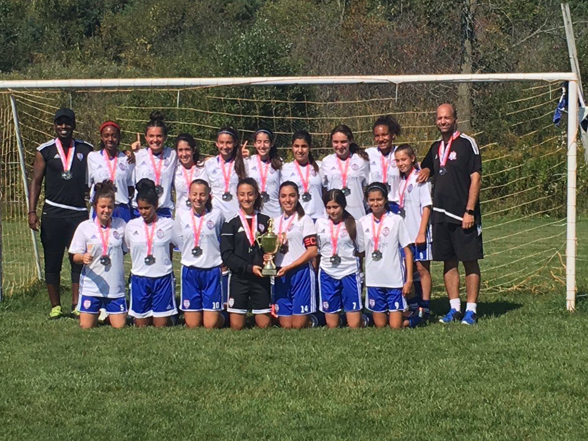 The girls put their final mark on the season by winning the CSL League cup this weekend.  #champions @WSCStrikers @OntarioIsSoccer<br>http://pic.twitter.com/fppcwQGlrk