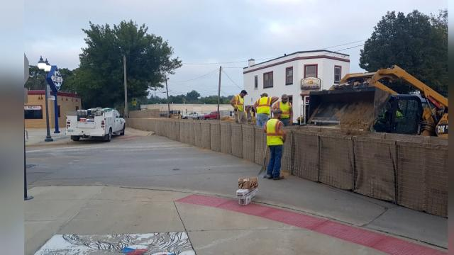 1 YEAR AFTER FLOODING: 'You had protected an entire city, but us.'  @KWWL https://t.co/2dzyz79jNf https://t.co/H2lxxc54vN