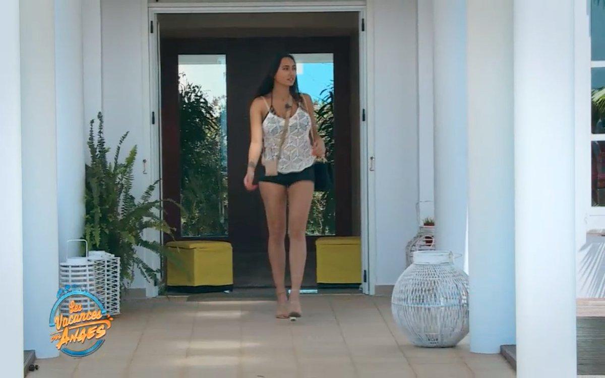 C'est @AstridNelsia1 qui arrive dans la villa ce soir !! #Arrivee  Rendez-vous à 18.50 sur @NRJ12lachaine ! 😍 #LVDA2