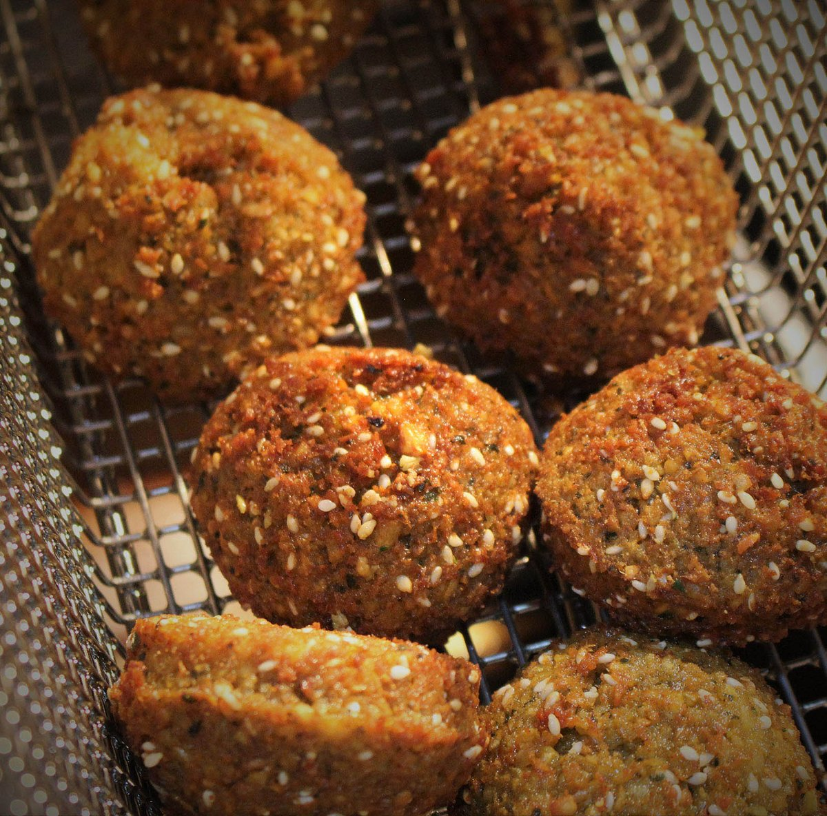 Lovely falafel #homemade #liverpool #boldstreet #independent #manchester #lebanese #lovefood #bakchich #vegan<br>http://pic.twitter.com/LDCyCWCrGh
