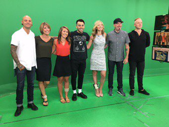 Coming up on @weathernetwork I chat with @Hedleyonline &amp; they try their hand at presenting the #weather!#greenscreen<br>http://pic.twitter.com/nYyGMe7AbK