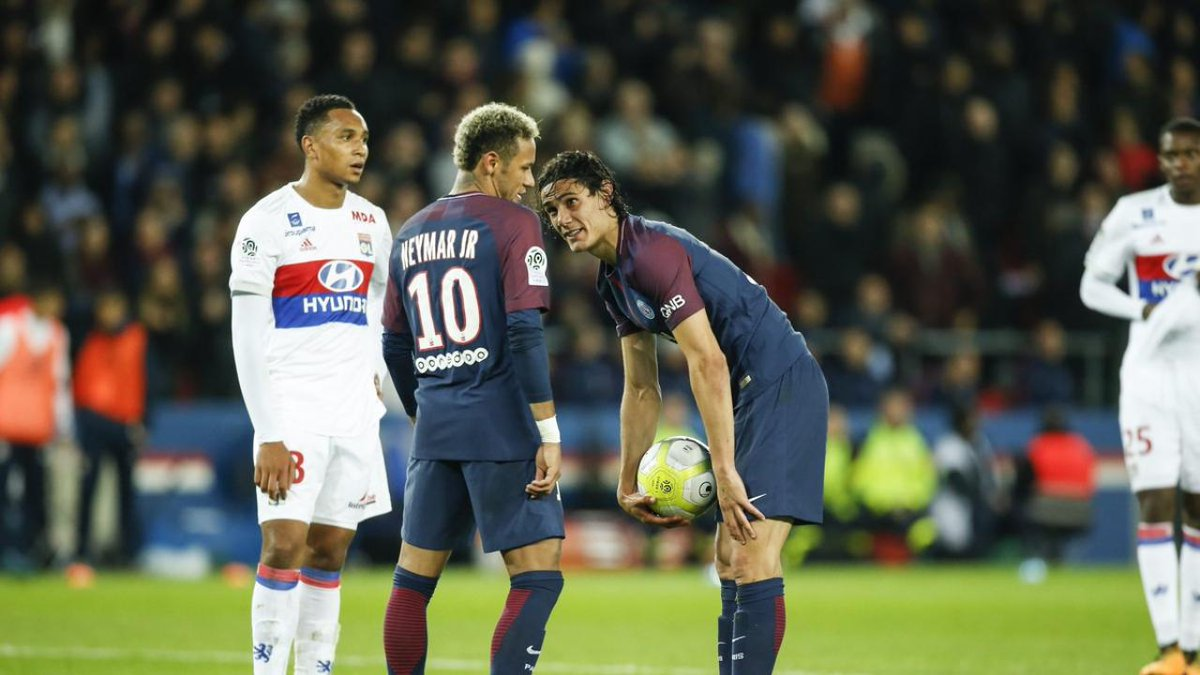 Edinson Cavani Rejects €1 Million Bonus to Hand Neymar Penalty Duties...