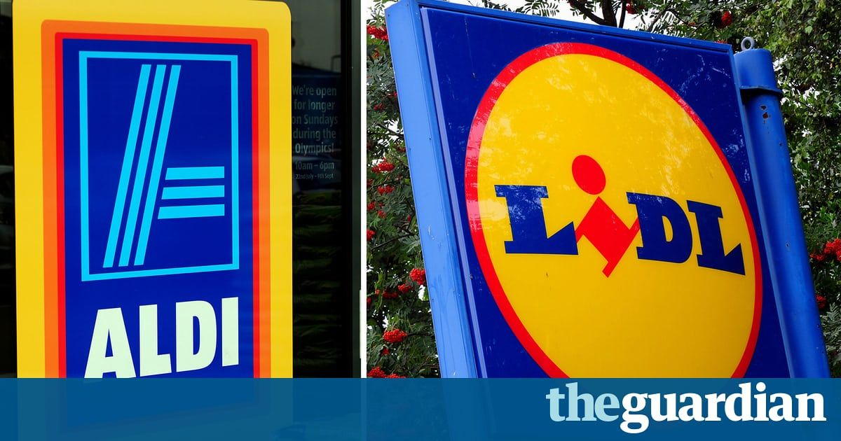 Aldi and Lidl increase share of British shoppers as inflation hits spending  https:// buff.ly/2xmH0Uw  &nbsp;   #FMCG #business<br>http://pic.twitter.com/zuKAP3LJl7