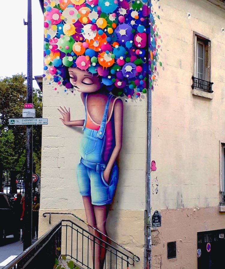 Right back the corner  #StreetArt in #Paris by Vinie Graff <br>http://pic.twitter.com/VZudqY6Aun