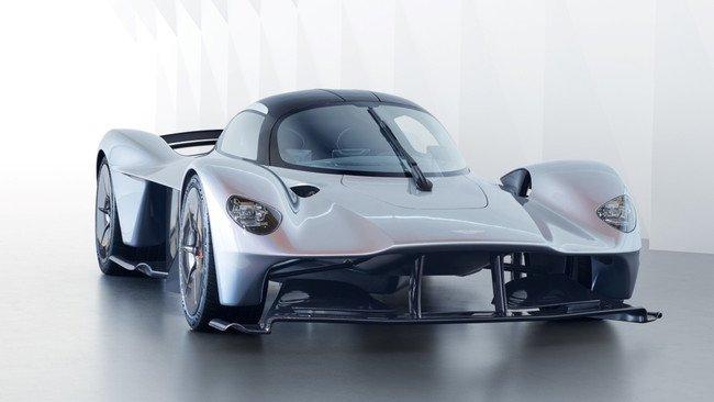Aston Martin Valkyrie, el coche de los 2 millones de euros https://t.c...
