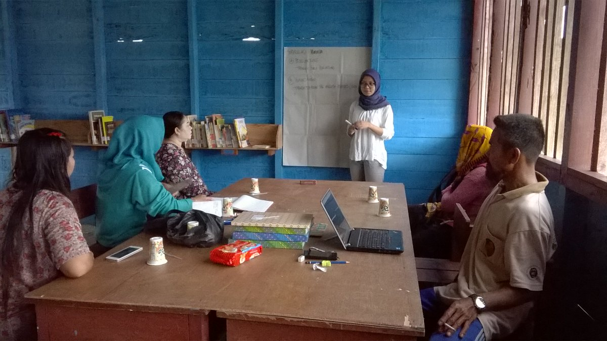 Our village libraries are doing well thanks to dedication & good management. Photo by Hartono. #Education  #knowledge