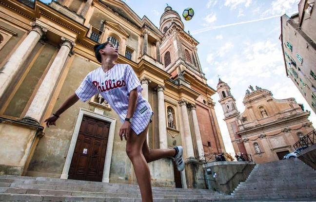 Nice: Alice Fougeray, serial jongleuse et vice-championne du monde de freestyle football https://t.co/sRGCFb0VZW