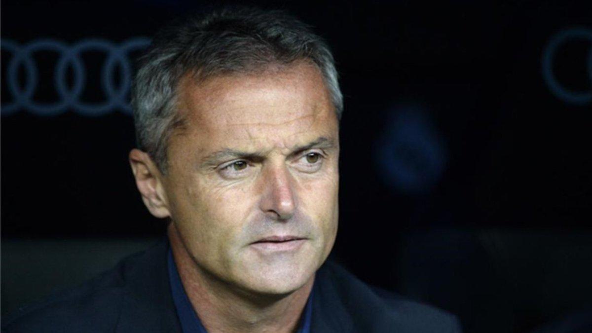 OFICIAL | El @VillarrealCF destituye a su técnico Fran Escribá. https:...