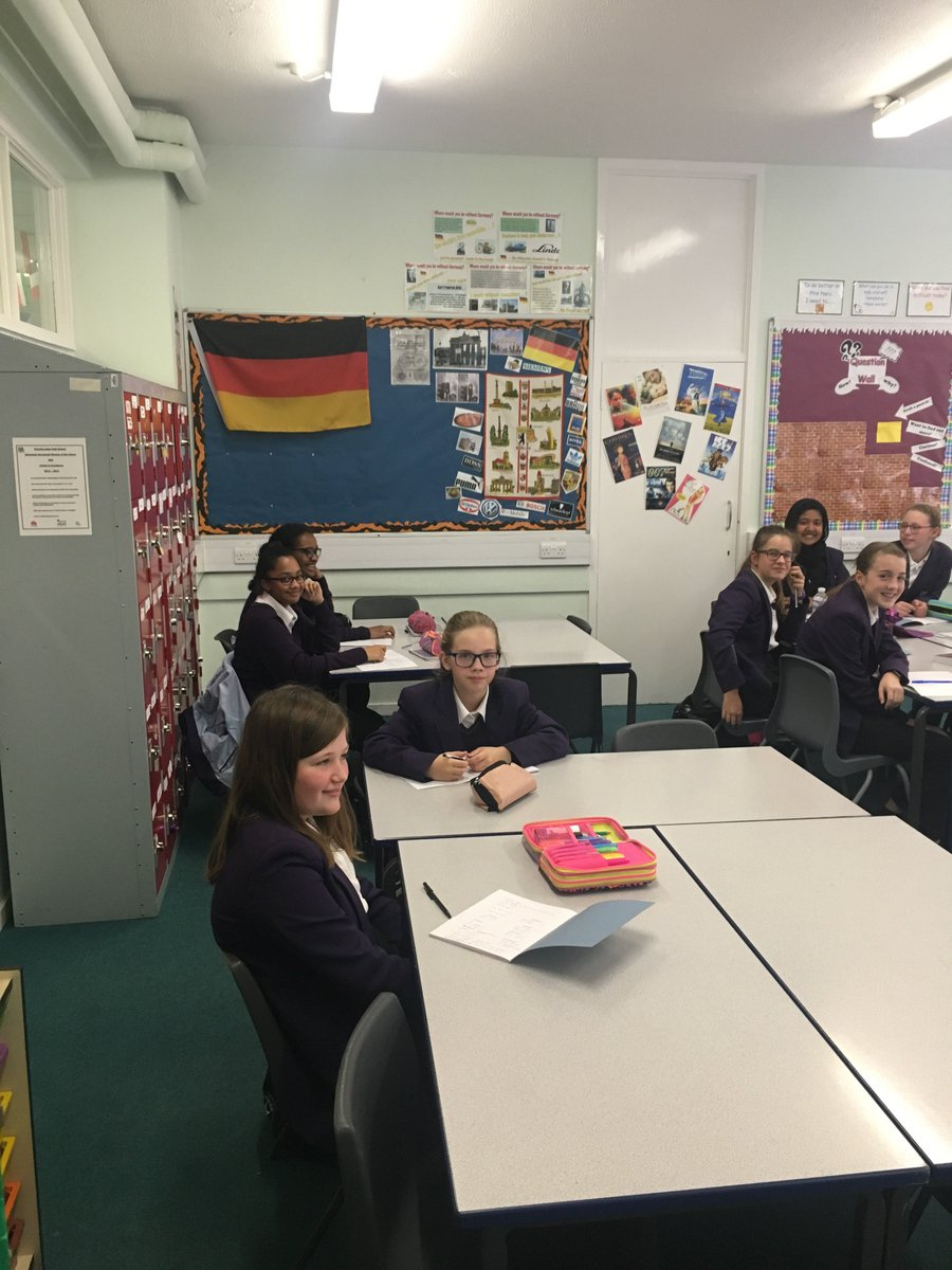 The first year 8 Latin lesson was a great success! #theylearn3languages! #lovelearning #latin  @classicsforall @RicardsTweets @RicardsYear8<br>http://pic.twitter.com/DmDRrrHYsf
