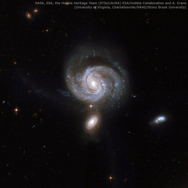 銀河衝突で誕生した超大質量ブラックホールのペア - アストロアーツ https://t.co/MIu2Usl4ts @AstroArtsさんから