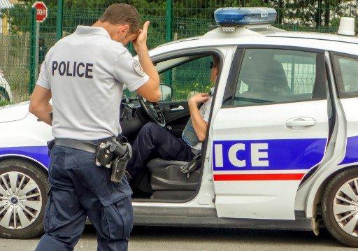 Aulnay-sous-Bois: deux écoles incendiés, six voitures brûlées https://t.co/LUEn6itAtV