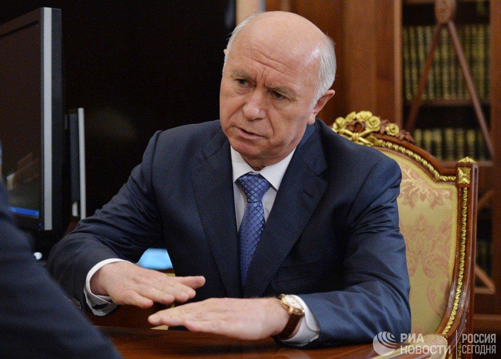 Путин уволил губернатора Самарской области  https://t.co/Tqnk8H38Vn ht...