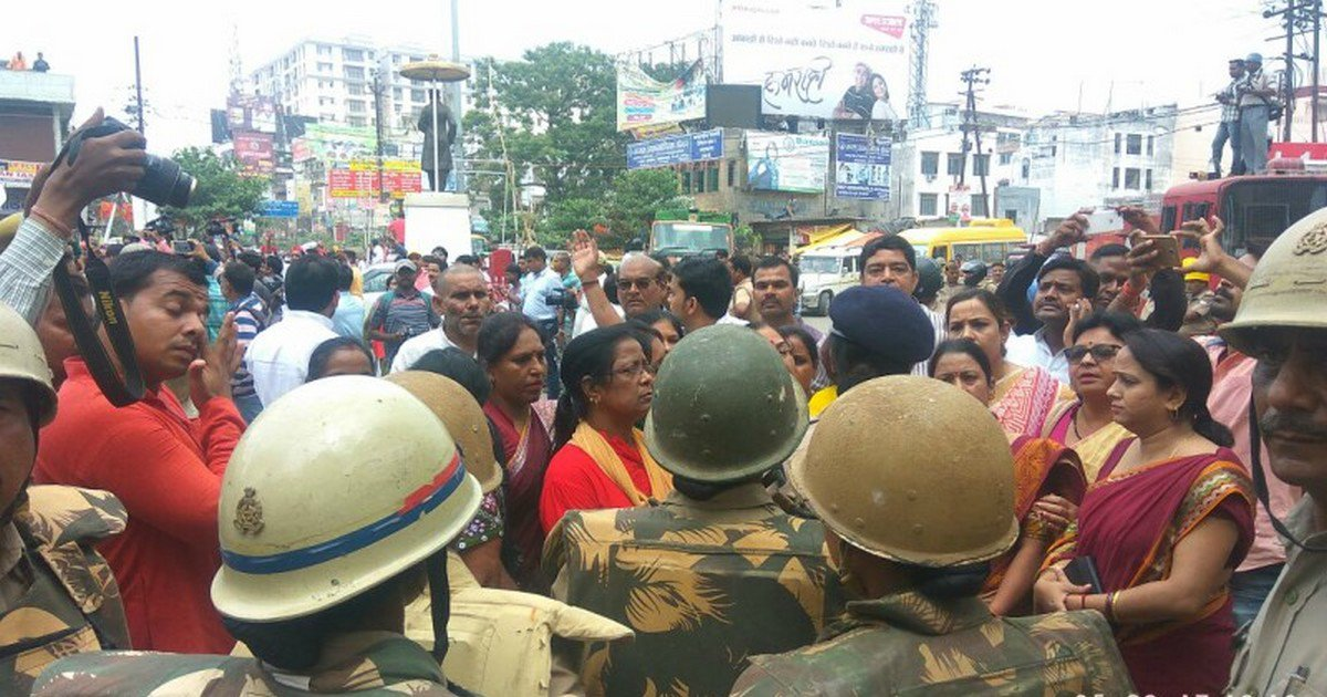 #FIR against 1000 students for #BHUViolence   #LIVE  http:// bit.ly/2xuPZBg  &nbsp;  <br>http://pic.twitter.com/T1wV15H9SK
