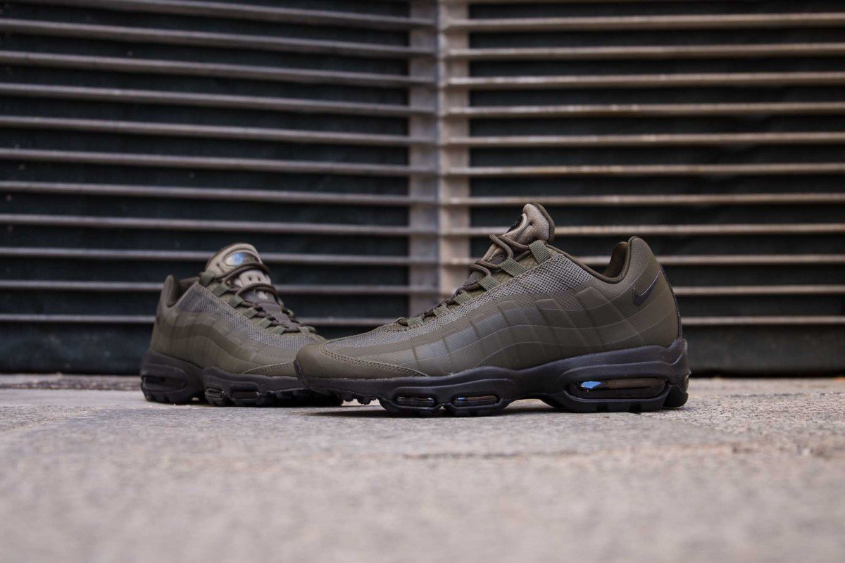 54b9135947f Aix max addict  NIKE AIR MAX 95 ULTRA ESSENTIAL CARGO KHAKI   857910-301  Instore and online ...