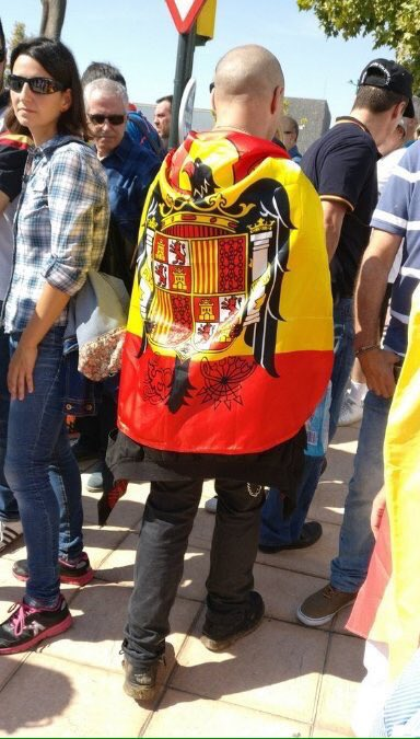 Nueva acción policial en Barcelona DKkR609XUAAzaVU