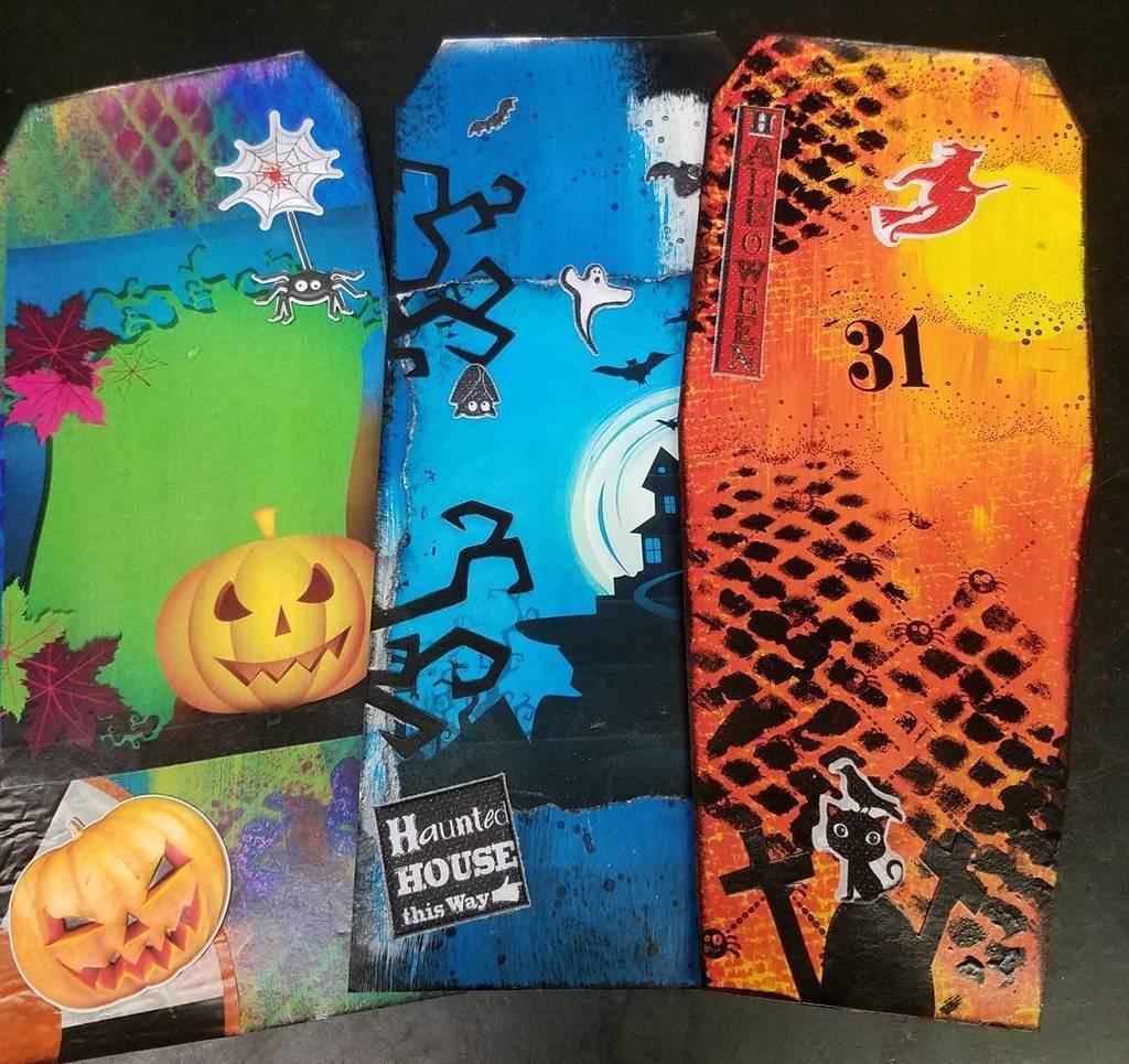 Bright mixed media halloween tags. #halloween #mixedmediapainting #mixedmedia #mixedmediaartwork #mixedmediaart #m…  http:// ift.tt/2xELQgn  &nbsp;  <br>http://pic.twitter.com/QUSqF9T0C9