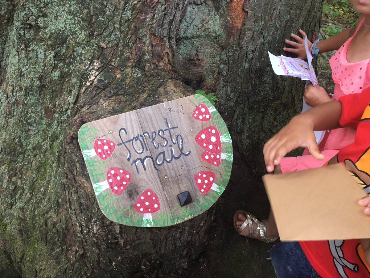 Mr. Tree IS real! And he left us a letter in our very own mailbox. #kindergarten #wonder @ugdsb @WestwoodUGDSB<br>http://pic.twitter.com/0Gpqy2MtQD